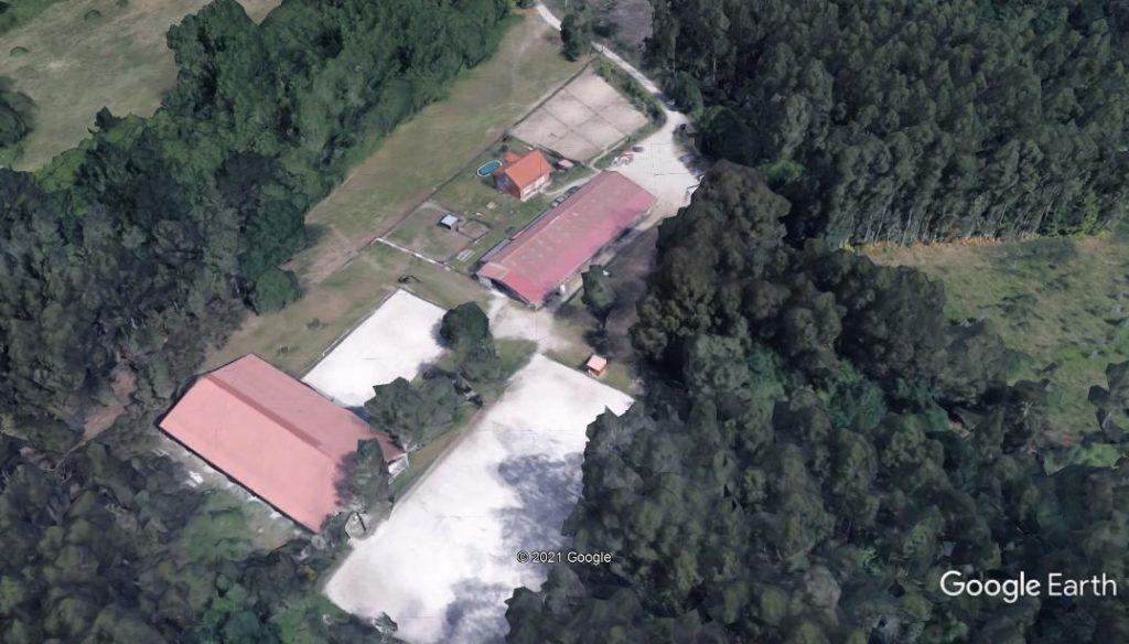Vista aerea Centro Ecuestre La Croupe en santiago de Compostela. Instalaciones ecuestres